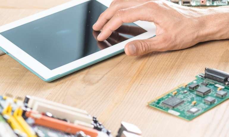 iPad Surfplatta Reparation och byta skärm ipad